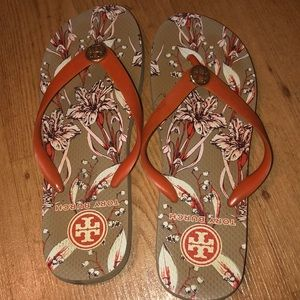 Tory Burch flip flops used but good condition